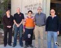 The Weizmann Institute team group photo: left to right: Diana Mahalu, Moty Heiblum, Merav Dolev, Vladimir Umansky, Ady Stern (Credit: Merav Dolev)