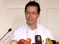 Dr. Gero Hutter in a press conference in Germany