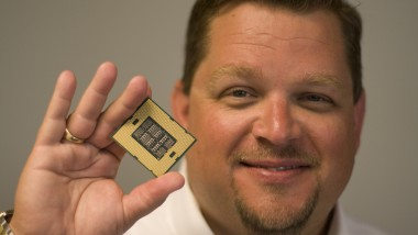 Intel Previews Nehalem-EX Xeon Processor