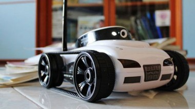 iSpy Tank – Coolest iPhone R/C Car