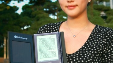 LG Display Unveils Solar Cell e-book Reader