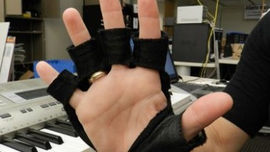 Music Glove Helps Paralyzed Patients