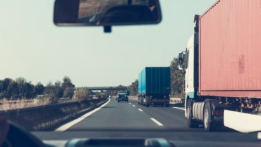 Your Truck Broke Down On The Highway: Now What?