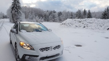 Driving in Snow: Technology Helps and Hindrances