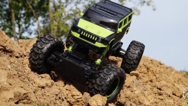 Fun Activities You Can Do With a Remote-Controlled Truck