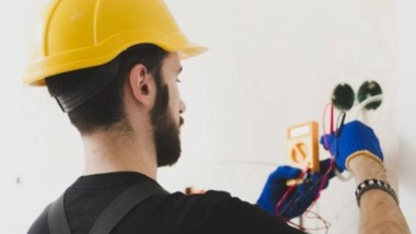5 Good Reasons to Hire a Professional Electrician for Your Home