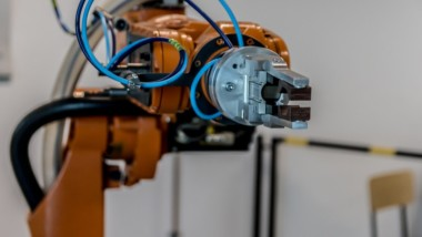 Machine Tending Applications with Collaborative Robots