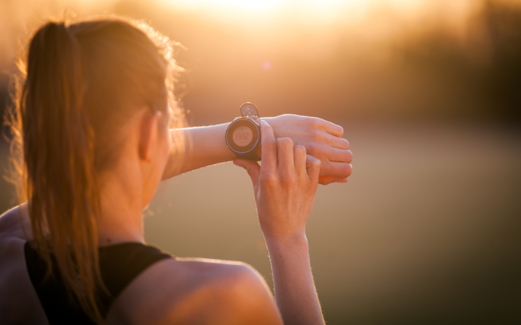 6 Reasons Why You Need To Wear A Smartwatch - TFOT