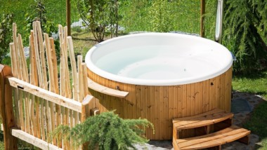 5 Gadgets That You Should Get for Your Hot Tub